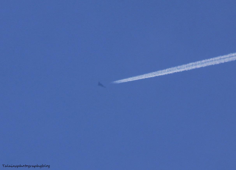 Jet 037