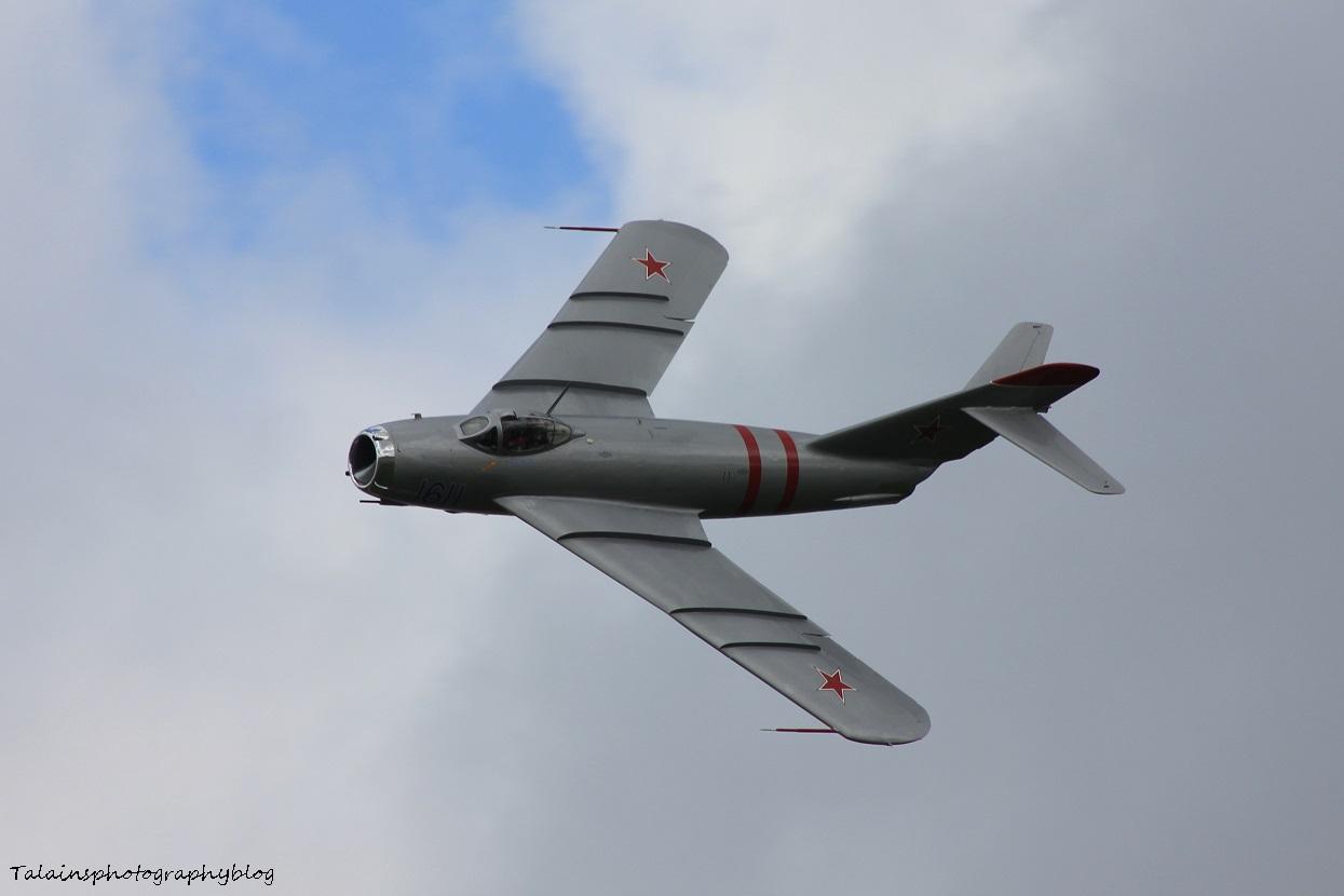 R.A.S. 285 Mig-17