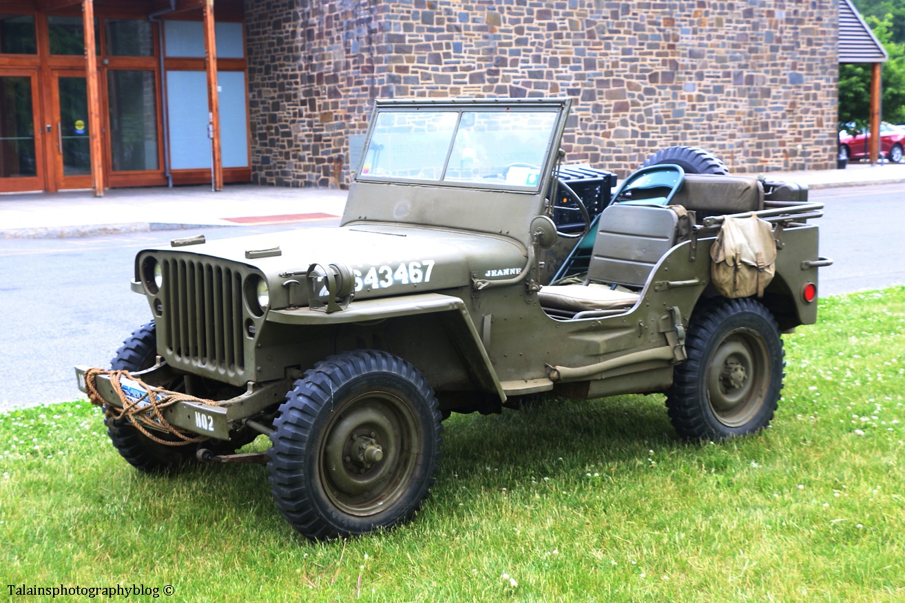 military-older-vehicles-001