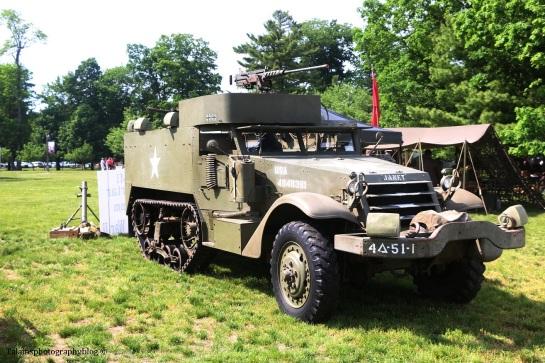 military-older-vehicles-004