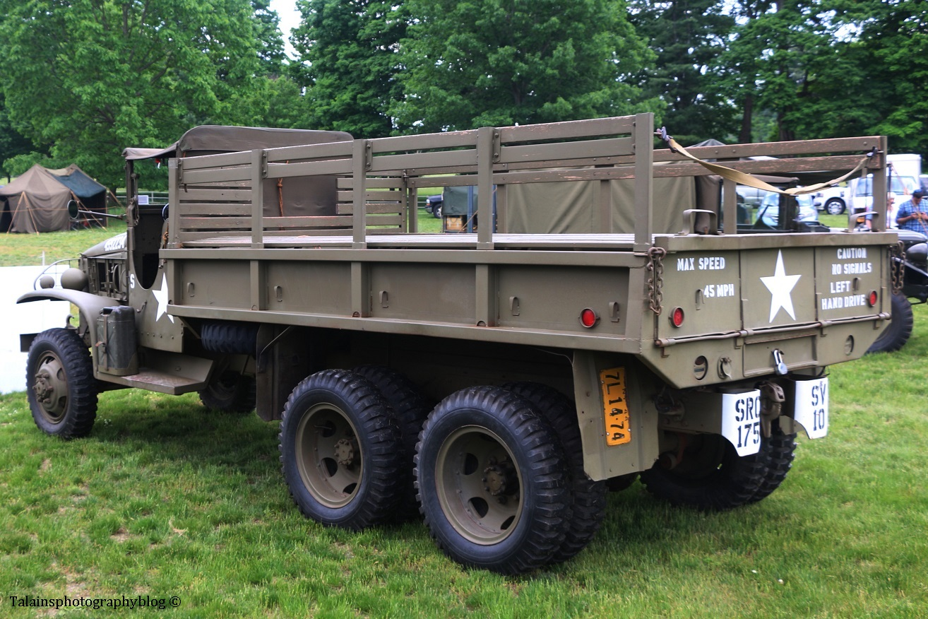 military-older-vehicles-008