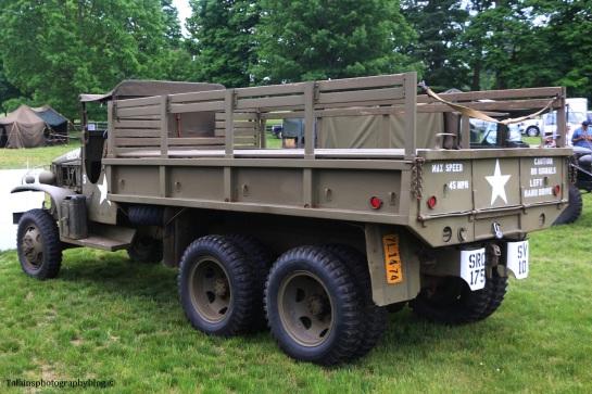 military-older-vehicles-008