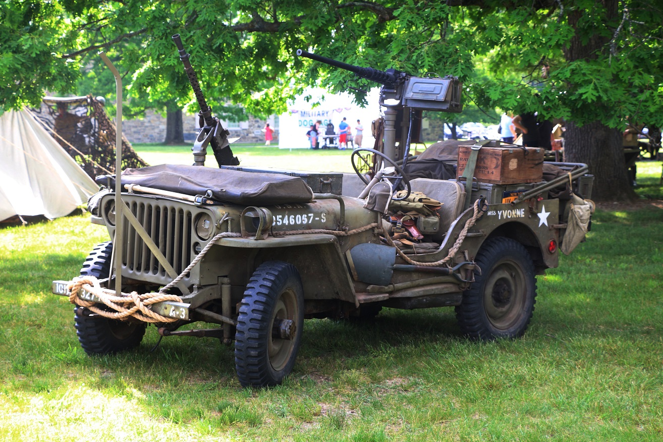 military-older-vehicles-014