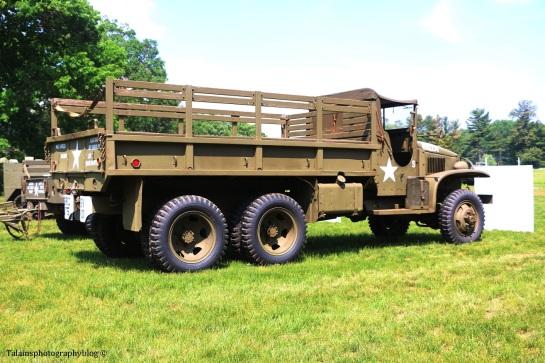 military-older-vehicles-023